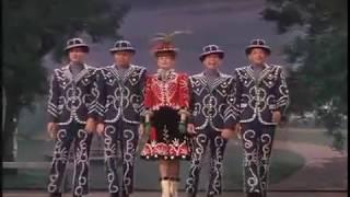"""Rita Hayworth performs """"Poor John"""" - Cover Girl (1944)"""