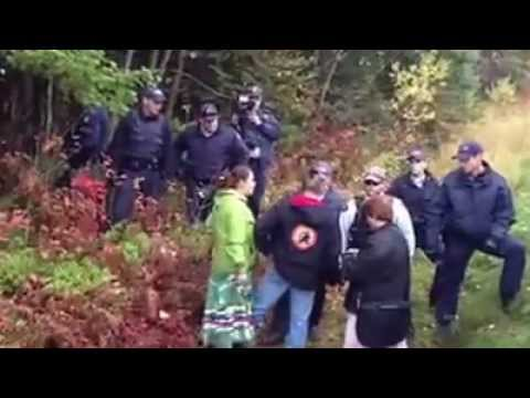 Native RCMP smudged by Native Protesters - Rexton NB