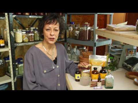 Alternative Medicine & Home Remedies : How to Treat Bursitis With Herbal Remedies