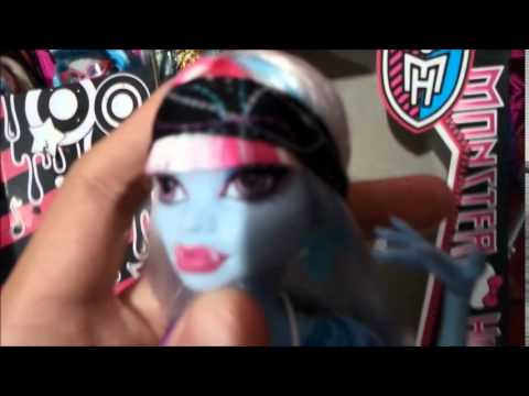 Review Monster High Doll Music Festival Abbey Bominable