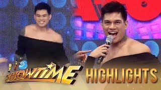 It&#39s Showtime Hashtag Zeus transforms in It&#39s Showtime