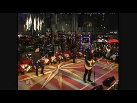 The Mayor Pete Kennedy - Merry New York Christmas from Rob Thomas live.