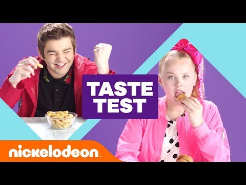 JoJo Siwa, Jack Griffo & Ricardo Hurtado Try 'Global Snack 🇮🇹 Taste Test 🇰🇷' | #NickStarsIRL