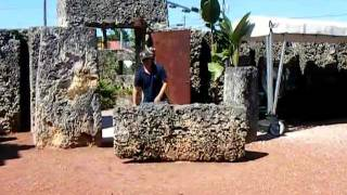Coral Castle - moving the Three ton gate