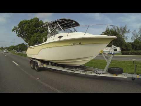 Roller Boating Keys, Ship shopping away from Key Largo to Sandal Factory, Islamorada, FL, GP145504
