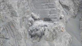 Взрывные работы при строительстве Плотины Юсуфели(Плотина Юсуфели, взрывные работы Автор видео - https://www.facebook.com/DSI.26.Bolge.Mudurlugu/videos/603828806430959., 2016-03-31T12:44:12.000Z)