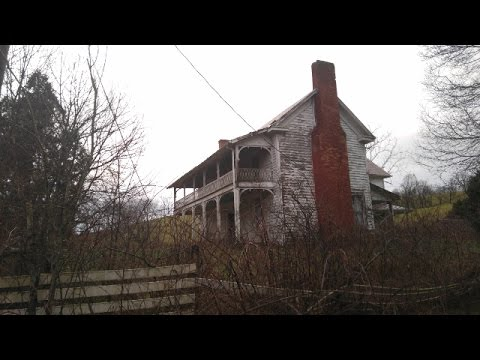SPOOKY FARM HOUSE!!!! Lost in time: Urban exploration  EPISODE 3!!