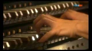 Iveta Apkalna spielt das  BWV 565 Toccata & Fuge d-Moll