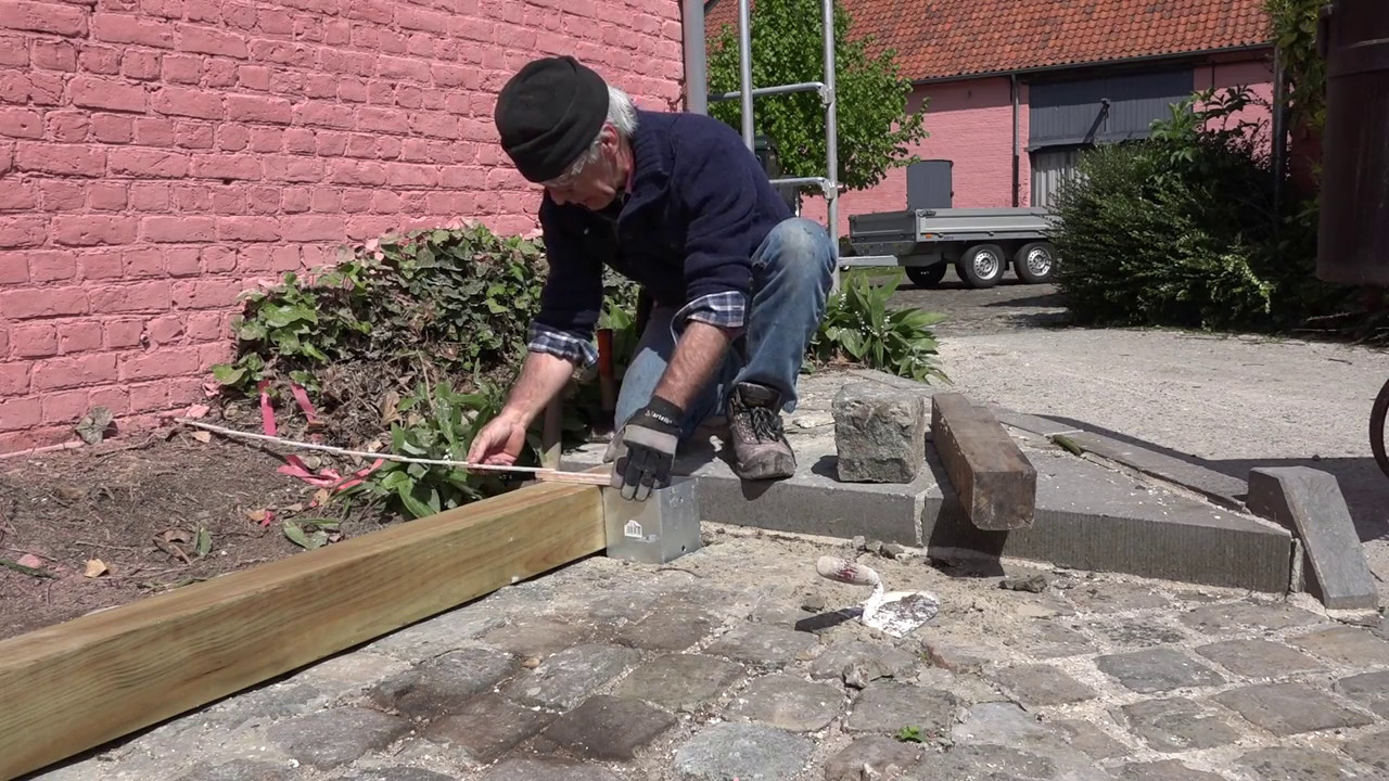DIY, Building a shed for the BBQ - YouTube