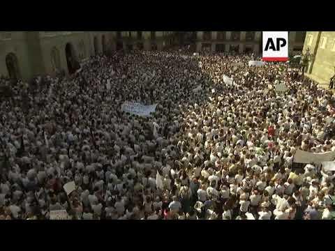 People gather for non-violent demo in Barcelona square
