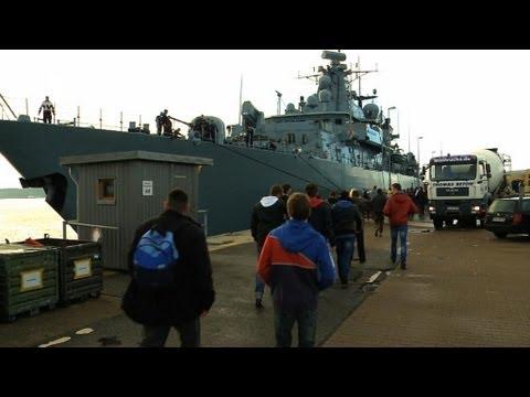 Marine Live - YouTube