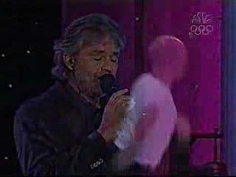 """Andrea Bocelli """"Can't Help Falling In Love""""on stage"""