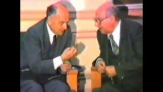 بالفيديو.. نجيب محفوظ في حوار نادر: الفلسفة تمنح العزاء العقلي