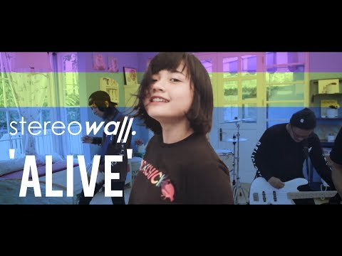 StereoWall - ALIVE [Official Video]