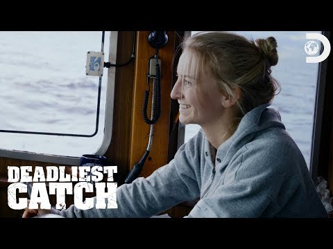 Mandy Gets The Northwestern Back On Track | Deadliest Catch