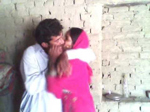 Kissing very nice sindhi song