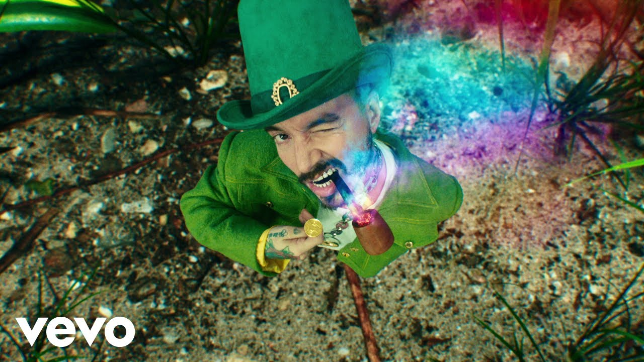 "🌈J Balvin Drops NEW VIDEO with ""Verde"""