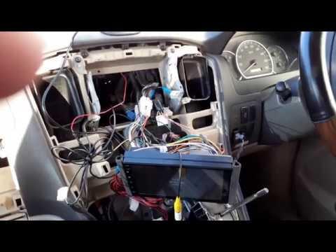 Тойота Альфард подключаем магнитолу и камеру заднего хода через парк ассис