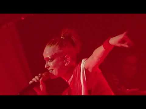 Garbage - Get Busy With the Fizzy - Hammering in My Head - Paris 2018