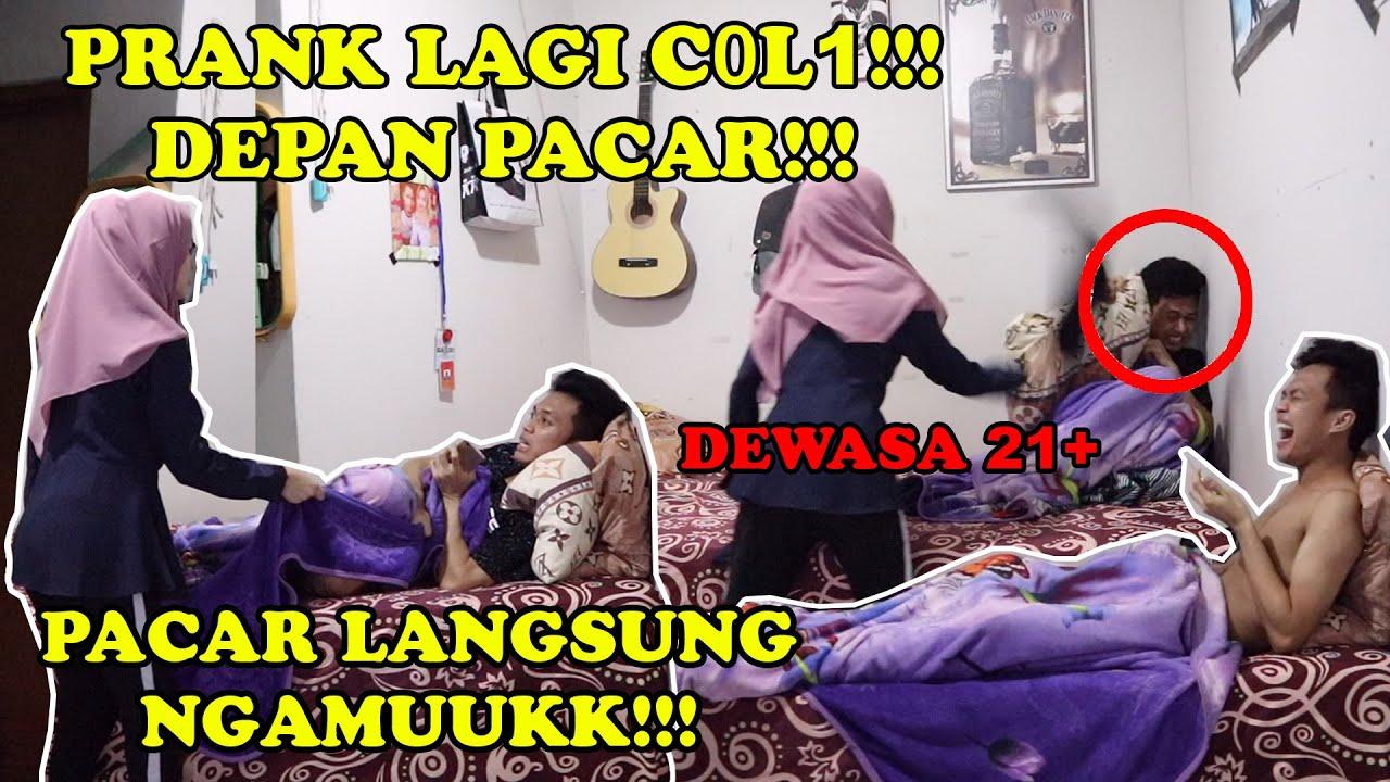 PRANK LAGI SENAM JARI DEPAN PACAR AUTO NGAMUUKK!!! || PRANK EXTREAM DEPAN PACAR!!!