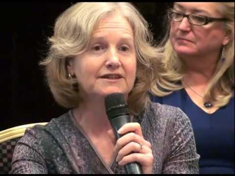 Niamh Quinn speaking at REAP14