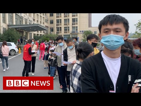 Queues in China for experimental Covid-19 vaccine - BBC News