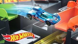 who-will-make-it-the-longest-in-the-hot-wheels-colossal-crash-hot-wheels