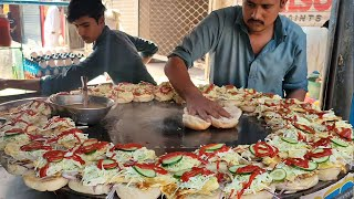 Amazing Street Egg Burgers | Super Fast Burger Making Skills | Anda Bun Kabab | Street Food Pakistan