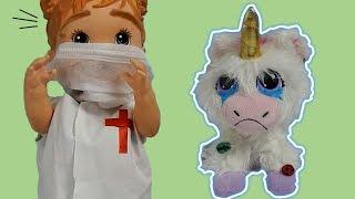 Baby Alive médica ajuda Unicórnio com pulgas e todo sujo! Rescue Runts Unicorn