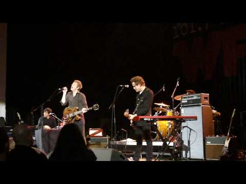 Spoon - I Turn My Camera On [Live] @ The Orpheum, Boston