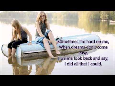 Stella sisters (Lennon and Maisy) - A life that's good w/Lyrics