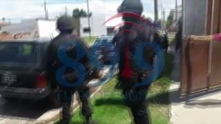 Video: Así detenían a un policía en un allanamiento en barrio Ceferino