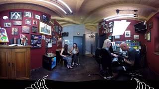 360° Andy Engel Tattoo - Andy Engel bei der Arbeit