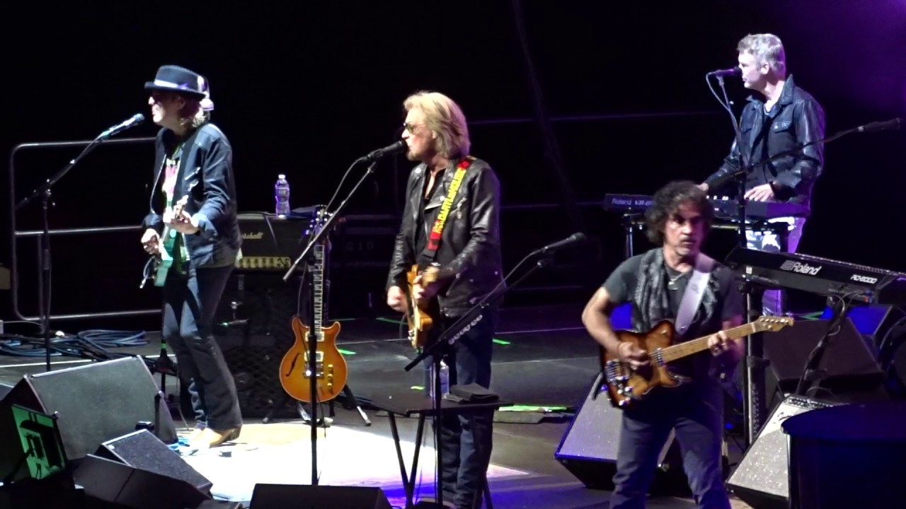 hall oates out of touch td garden boston 6 24 2017 youtube