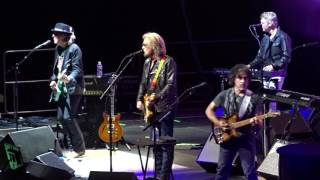 Hall & Oates - Out Of Touch - TD Garden, Boston 6-24-2017