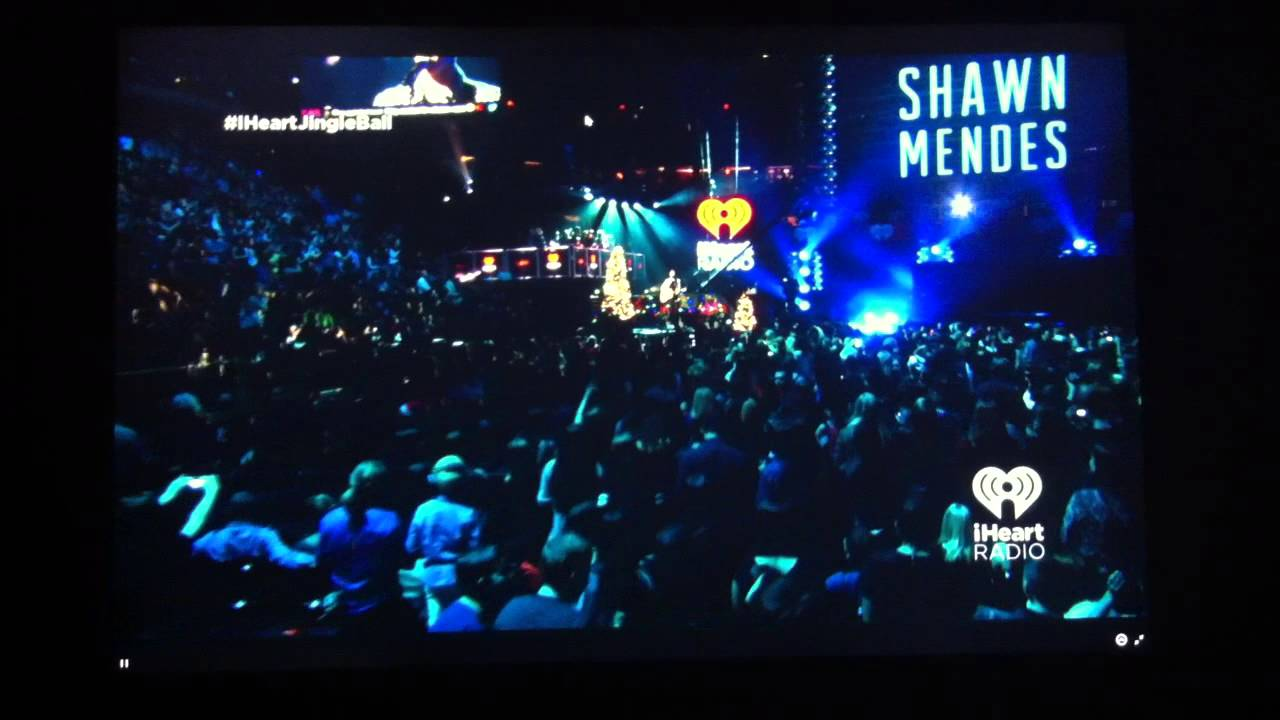 Shawn mendes performing at madison square garden dec 12 14 youtube for Shawn mendes live at madison square garden