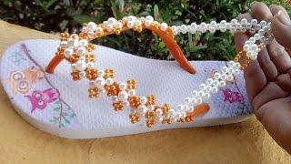 Sandália customizada com perolas e uma Injeção na alma