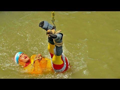 Indian stuntman missing after Ganges escape goes wrong