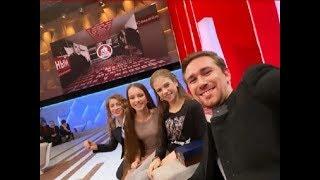 Фигуристки Тутберидзе вместе с тренерами и Татьяна Навка пришли в Пусть говорят