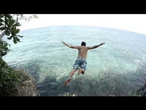 Cliff Diving at Initao