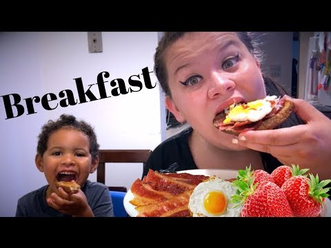 All American Breakfast cooking Mukbang Eating Show   bacon eggs toast strawberries