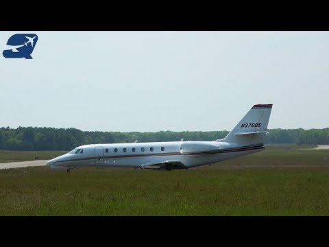 45+ Minutes of Plane Spotting - East Hampton Airport (KHTO)