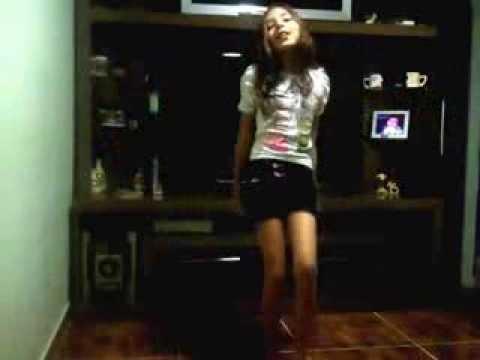 Leticia dançando Anitta kkkk