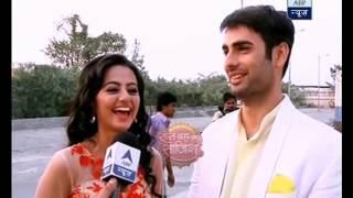 Sanskar brings gift for Swara in the middle of night