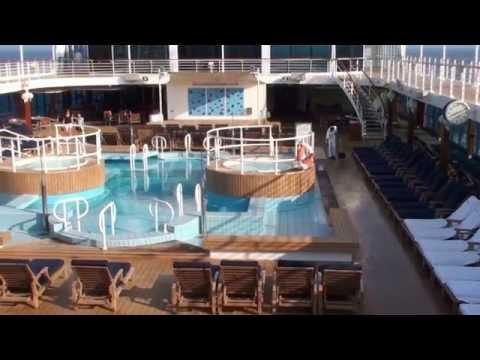 AZAMARA QUEST zwembad