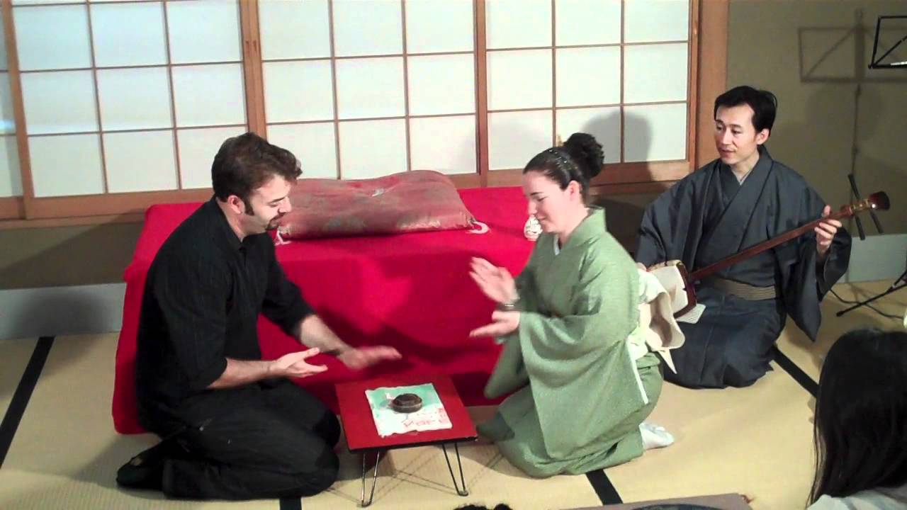 Joel Warner wins Japanese drinking game (second round) - YouTube