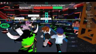 Flw me on roblox this was my twin in the party