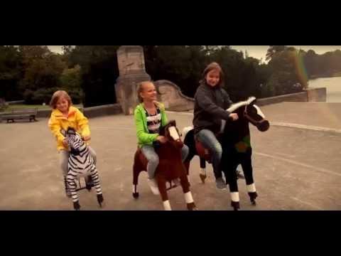 Cavallo A Dondolo Con Ruote.Cavallo Cavalcabile Con Ruote Giocattolo Per Bambini Youtube