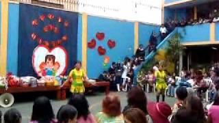 Promo 2010 Yola Polastri & sus burbujitas Karen Miñan, Krysha Tizon & Sara Roque.