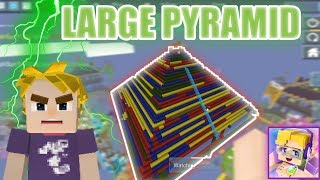Building LARGE Pyramid in Bedwars 🤪 (Blockman GO Blocky Mods)